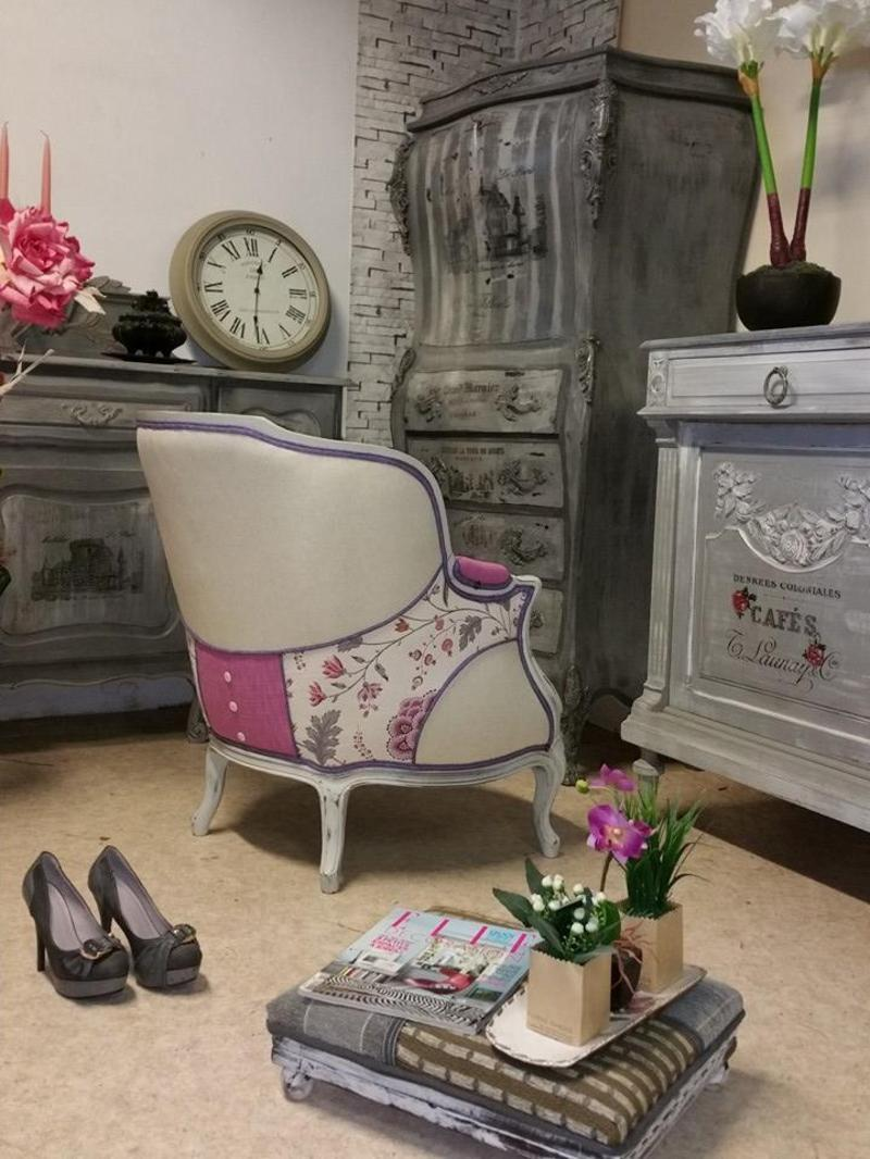 style romantique pour ce fauteuil. Black Bedroom Furniture Sets. Home Design Ideas