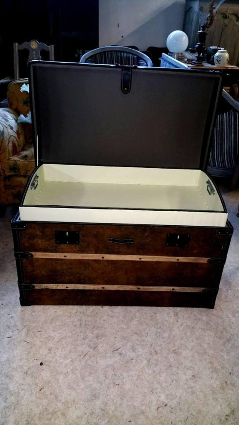 customiser malle ancienne grande malle de voyage ancienne hera valise vintage en carton poigne. Black Bedroom Furniture Sets. Home Design Ideas