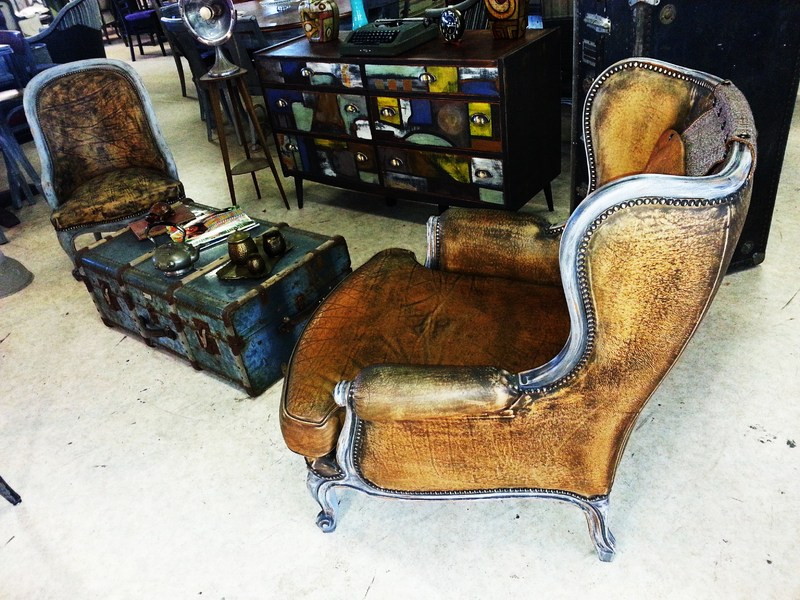 ambiance cuba havane fauteuil louis xv fauteuil industriel. Black Bedroom Furniture Sets. Home Design Ideas