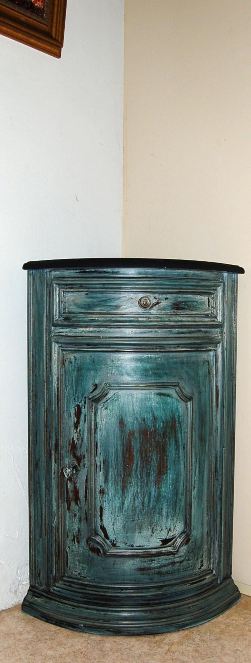 Meuble d 39 angle d 39 appoint patin Petit meuble d angle