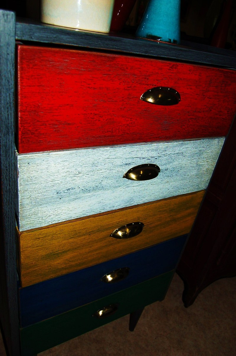 commode chiffonnier multicolores vintage. Black Bedroom Furniture Sets. Home Design Ideas