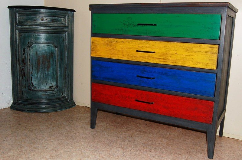 commode vintage multicolores patin e centerblog. Black Bedroom Furniture Sets. Home Design Ideas