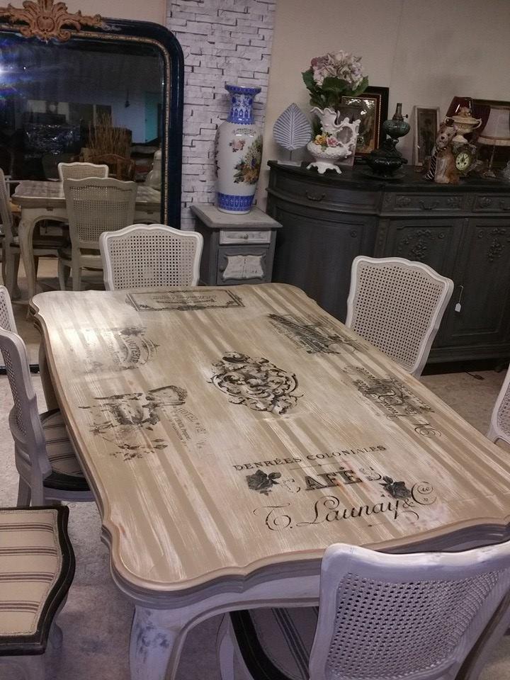 les tables et chaises