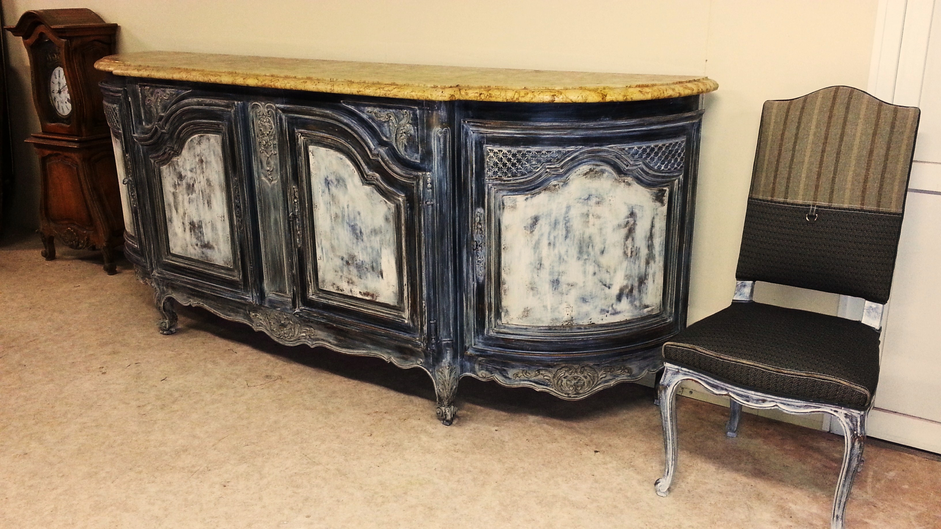 Meubles et objets a vendre for Meuble ancien avec marbre